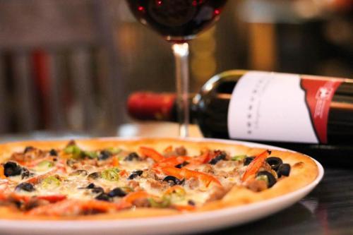 pizza trattoria by garden pub pitesti